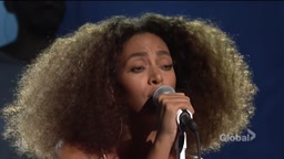 Solange - Don't Touch My Hair (live on SNL 11/05/2016)