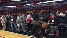 Lebron James Making fun of Lonzo Ball Shot In Warm ups