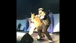 Mike Epps Gets SLAPPED by Chained KANGAROO on Stage in Detroit!