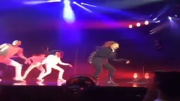 JANET JACKSON DOES THE MILLY ROCK (State of the World Tour)